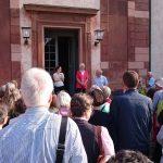 Johanna, Eva och Otto Ramel tog emot oss på Övedskloster